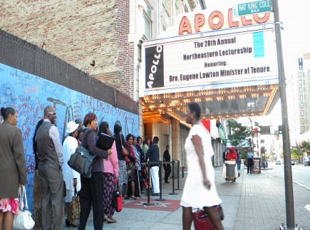 Participants in the 28th annual Northeastern Lectureship line up outside the Apollo Theater in New York. To the left is a mural with messages written in memory of the late pop star Michael Jackson. – (Photo by Bobby Ross Jr.)
