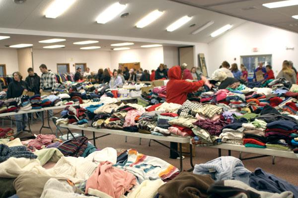 Church S Free Clothes Giveaway Benefits Nebraska Community The