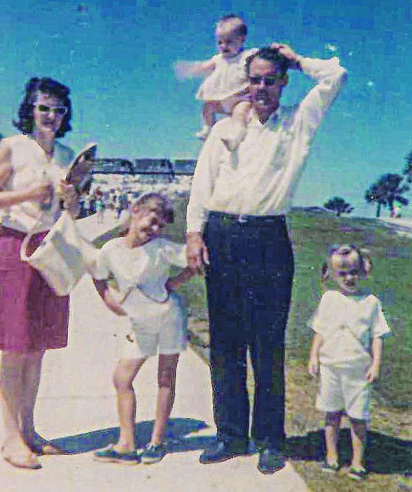 Jack and Frances Zorn, with daughters Resa, Rhonda and Sonya.