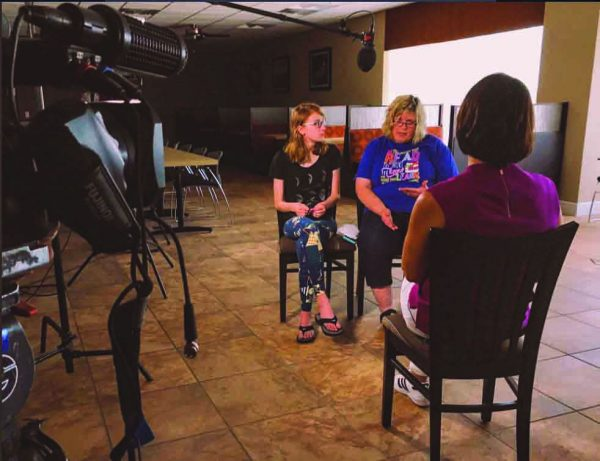 """Pam Smith and her daughter, Loren, who survived the Missouri lake tragedy and helped another survivor to shore, talk with reporter Dana Jacobson during an interview shown on """"CBS This Morning."""" The women """"showed true strength,"""" Jacobsen said in a tweet, """"talking with me after the fatal duck boat accident which claimed half their family."""""""