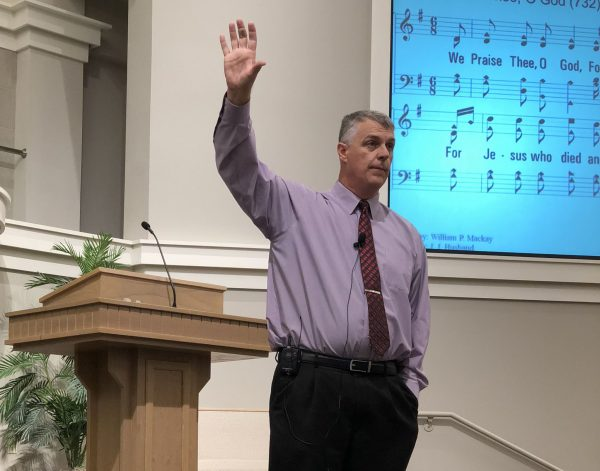Myron Bruce leads a singing workshop at the WindSong Church of Christ in North Little Rock, Ark.