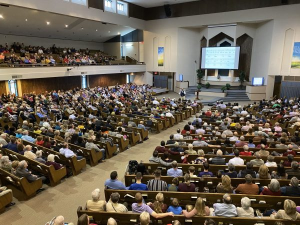 Before COVID-19, more than 1,000 Christians worship together at the Arkansas Churches of Christ Joint Worship Service.