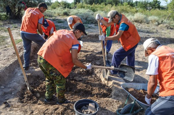 Students excavate at Ilibalyk in the Central Asian nation of Kazakhstan.