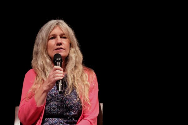 Roslyn Miller speaks during the panel discussion at Harding University's Bible Lectureship.